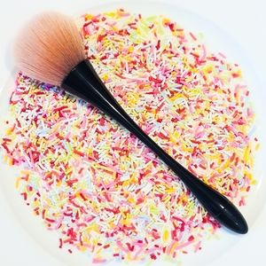 Floss Powder Brush